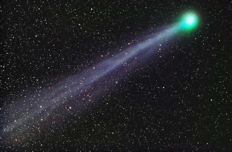 Dans les confins de notre Système solaire, les astronomes ont découvert il y a quelques semaines, une comète gigantesque, la comète Bernardinelli-Bernstein - ou C/2014 UN271, de son vrai nom scientifique. Ils nous révèlent aujourd'hui qu'ils ont pu en observer la chevelure alors même qu'elle croise actuellement à une distance équivalente à celle d'Uranus du Soleil.