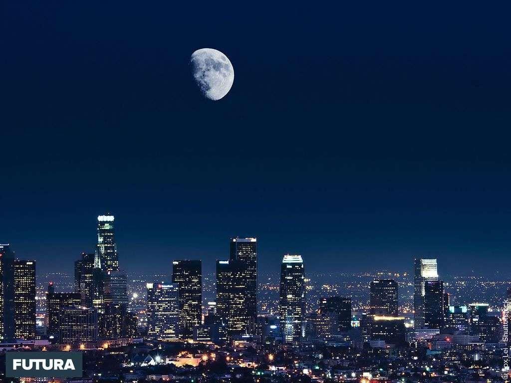 Il a déjà ravagé une surface plus grande que celle de la ville de Los Angeles.